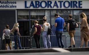 Coronavirus, in Francia è record di positivi: quasi 5.500 nelle ultime 24 ore