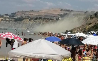 http://www.seguonews.it/paura-tra-i-bagnanti-crolla-costone-di-argilla-in-una-spiaggia-dellagrigentino