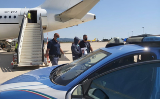 https://www.seguonews.it/latitante-niscemese-tradito-da-facebook-era-ritratto-nella-spiaggia-di-sidney-arrestato-a-roma