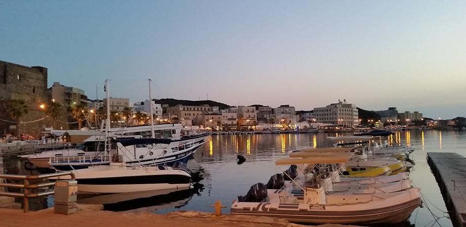 Dal Cinema sotto le Stelle a Piazzetta Messina ai concerti blues, soul e folk: gli eventi a Pantelleria fino al 23 agosto