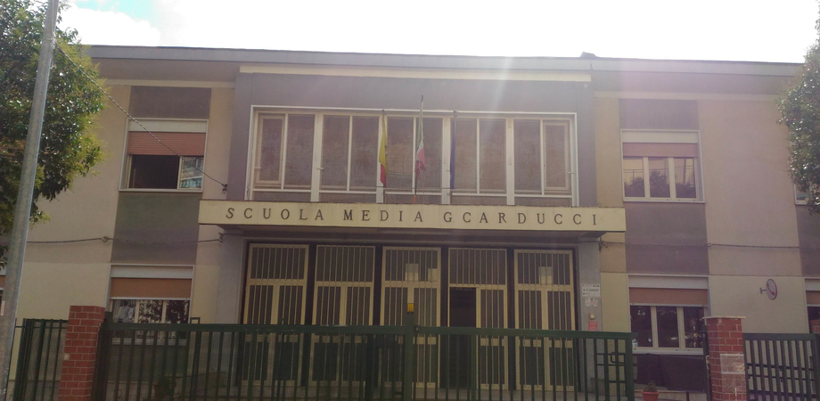 San Cataldo, alla scuola Carducci si ricomincia il 24 settembre: pubblicate le norme anti-covid