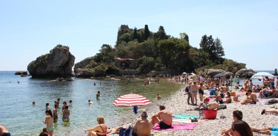 Coronavirus, chiusi due hotel a Taormina: alcuni dipendenti sono risultati positivi
