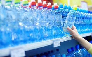 http://www.seguonews.it/sicurezza-alimentare-carabinieri-nas-catania-sequestrate-quasi-14-mila-bottiglie-dacqua-esposte-agli-agenti-atmosferici