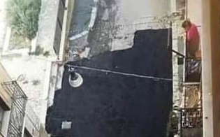 http://www.seguonews.it/lavori-nellantico-mercato-di-caltanissetta-italia-nostra-pavimentazione-allucinante-orrenda-in-via-camillo-genovese