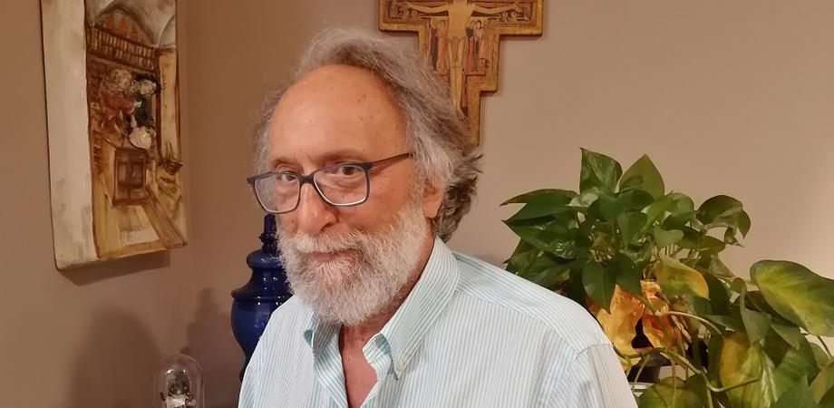 """Il farmacista-scrittore nisseno Vincenzo Bonasera ringrazia i lettori: """"I vostri commenti mi hanno commosso"""""""