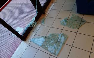 http://www.seguonews.it/devastata-a-gela-la-sede-della-croce-rossa-greco-gesto-vandalico-vile-e-ignobile