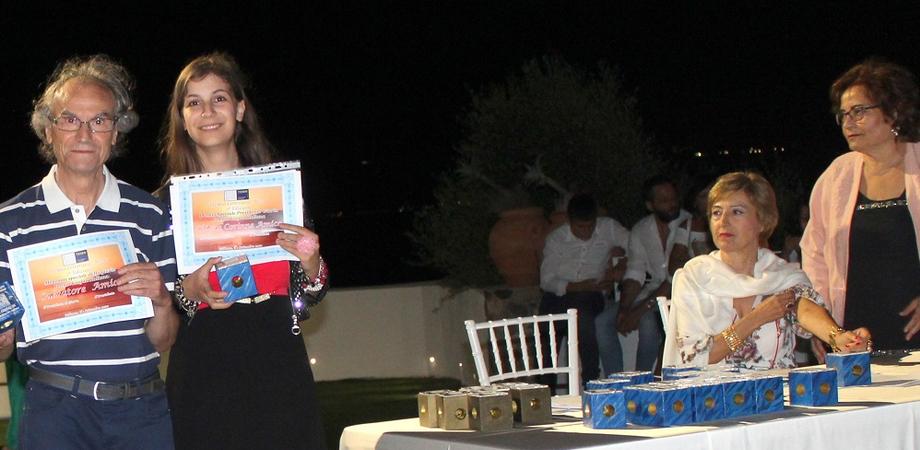 Il professore nisseno Salvatore Amico e la figlia Chiara premiati alla II edizione del Premio Internazionale Teseo
