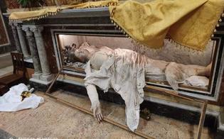 http://www.seguonews.it/caltanissetta-furto-alla-chiesa-santagata-violate-statue-e-oggetti-sacri