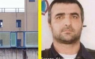 http://www.seguonews.it/il-boss-fanara-stacca-a-morsi-un-dito-a-un-agente-di-polizia-penitenziaria-e-lo-ingoia