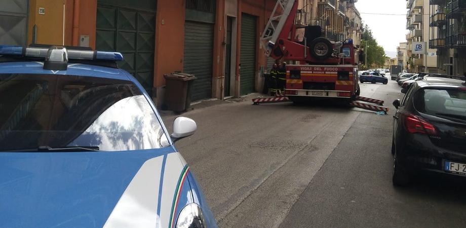 Maltempo. A Caltanissetta guaine pericolanti, a Gela alberi sulle auto: diversi interventi dei vigili del fuoco