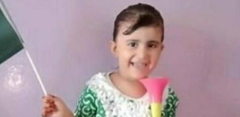 Orrore in Pakistan. Bimba di 5 anni rapita, stuprata, uccisa e infine bruciata