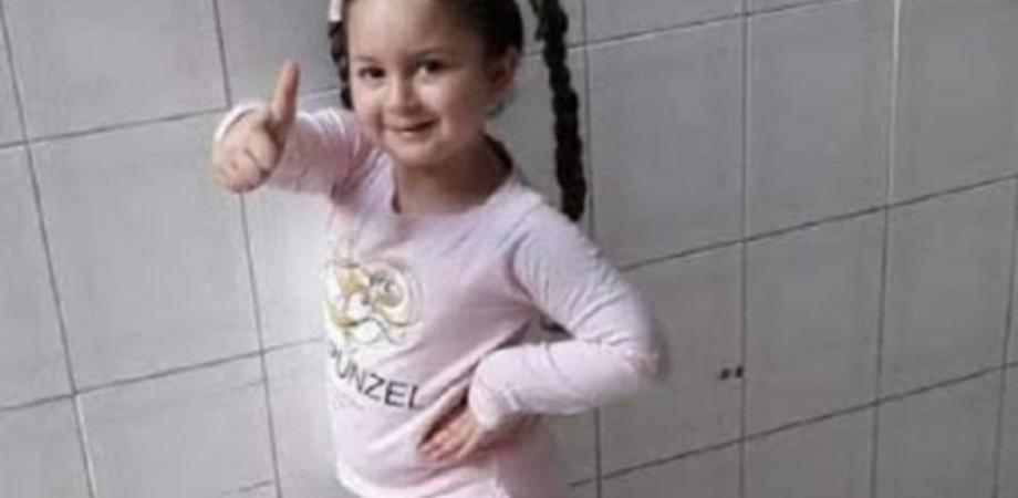 """Miriam morta a 5 anni, la mamma: """"I medici dicevano che sveniva perché gelosa del fratellino"""""""