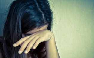 Undicenne trascinata in un vicolo e violentata dai giostrai: in quattro rinviati a giudizio. C'è anche un nisseno