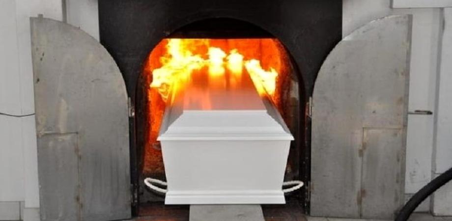 """Delia, associazione dice """"no"""" al forno crematorio: """"E' una ciminiere di polveri umane"""""""