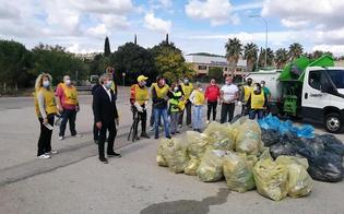 http://www.seguonews.it/puliamo-il-mondo-a-caltanissetta-volontari-in-azione-per-ripulire-la-zona-di-pian-del-lago