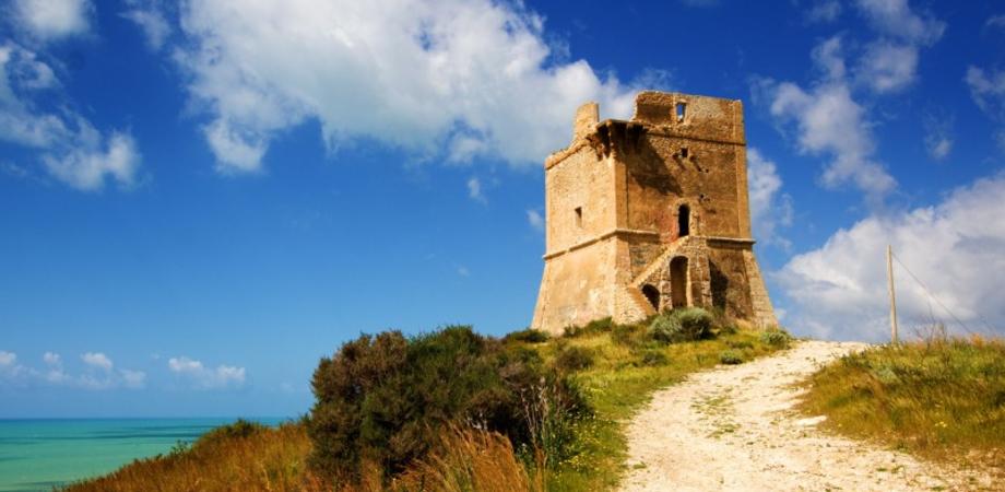 Gela, acquisto della Torre di Manfria: il Comune incassa il via libera di associazioni e privati cittadini
