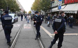 http://www.seguonews.it/nizza-attacco-a-notre-dame-tre-morti-il-killer-sbarcato-a-lampedusa-tra-i-migranti