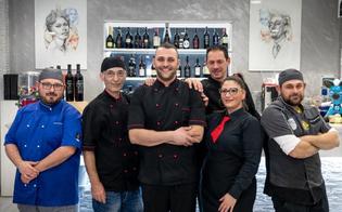 https://www.seguonews.it/il-gambero-rosso-premia-daniele-cacciuolo-il-pizzaiolo-di-bella-napoli-che-ha-investito-a-gela