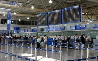 https://www.seguonews.it/va-in-aeroporto-a-catania-e-presenta-al-check-in-biglietto-e-tampone-positivo-la-polizia-lo-blocca