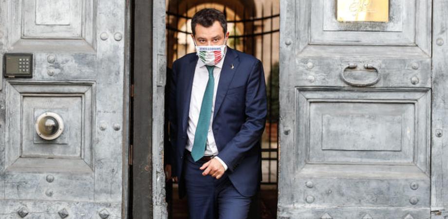 """Salvini: """"Se l'attentatore di Nizza è sbarcato a Lampedusa via la Lamorgese"""""""