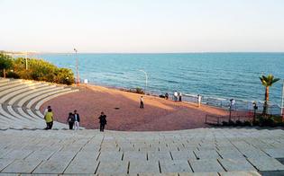http://www.seguonews.it/gela-sequestrato-lanfiteatro-di-villa-greca-e-abusivo-ed-e-stato-realizzato-in-area-sottoposta-a-vincoli-tre-denunciati