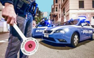 Caltanissetta. Imbocca strada contromano, poliziotti lo fermano e lui nega e inveisce contro di loro: denunciato