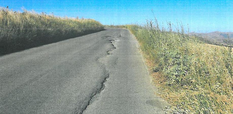 Viabilità, strade franate e asfalto deformato: al via i lavori su quattro arterie tra Caltanissetta e Palermo