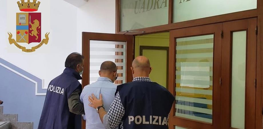 Cocaina nascosta sotto il tappetino dell'auto, arrestato a Caltanissetta un disoccupato. Percepiva il reddito di cittadinanza