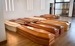Caos nei cimiteri di Gela, 11 salme in attesa di sepoltura. Greco: