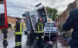 https://www.seguonews.it/gela-cisterna-carica-di-calcestruzzo-finisce-sopra-unautovettura-miracolati-i-due-occupanti-dei-veicoli