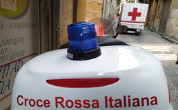 Caltanissetta, volontario della Croce Rossa brutalmente aggredito in strada da tre persone