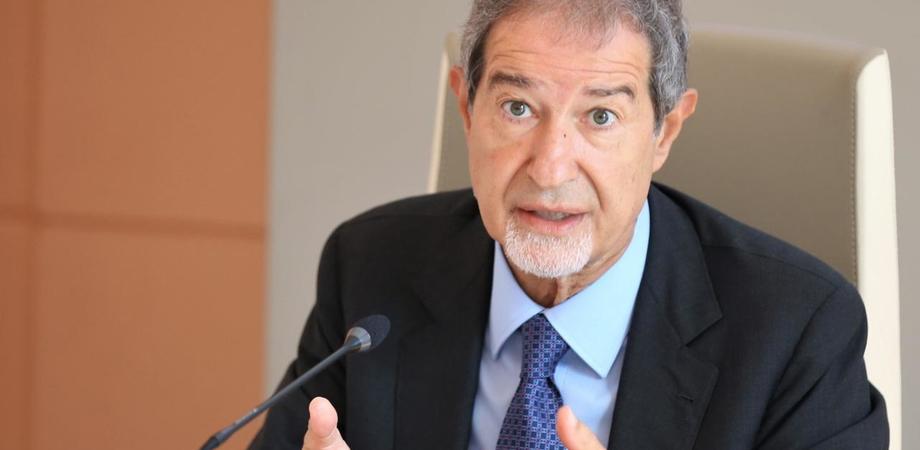 """Coronavirus, Musumeci a Boccia: """"Mandate in Sicilia cento ispettori ma basta speculazioni"""""""