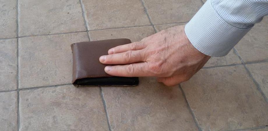 San Cataldo, pensionato trova portafogli con 675 euro e lo consegna ai carabinieri