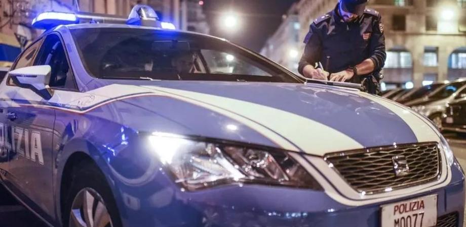 Caltanissetta, trovato bar aperto dopo le 18 con 11 persone all'interno: titolare sanzionato dalla polizia