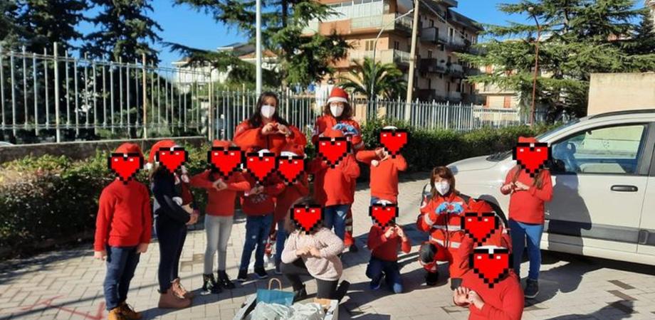 Gesto d'amore da parte di alcuni alunni di Serradifalco, donati alle famiglie più bisognose generi di prima necessità