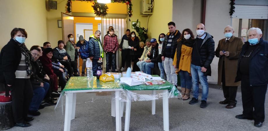 San Cataldo, donati 80 pensierini agli anziani delle case di riposo e ad alcune associazioni