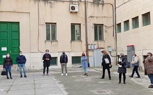 https://www.seguonews.it/gela-mense-scolastiche-e-lavoratrici-ferme-da-marzo-sit-in-questa-mattina-davanti-al-comune