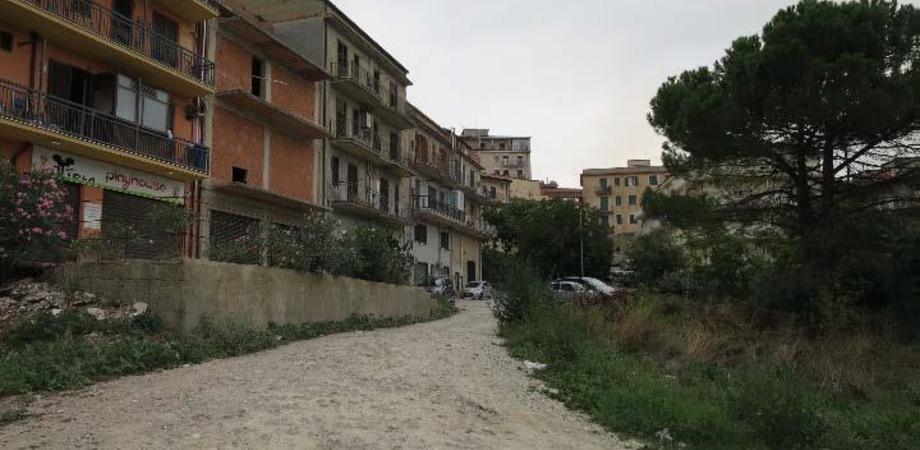 Mussomeli, una via di fuga per il quartiere Terravecchia: la strada verrà allargata e completata