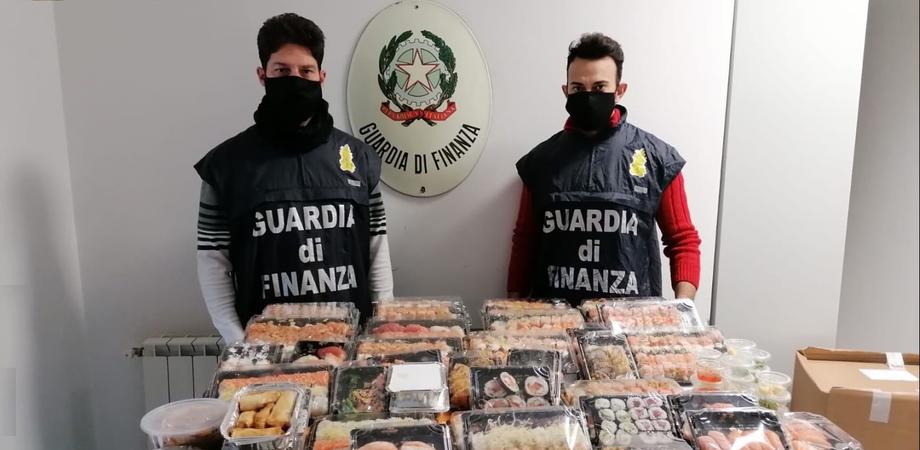 Mussomeli, sequestrati 1.016 pezzi di sushi: erano sistemati all'interno di una station wagon