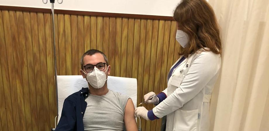 Vaccino Covid, domani arriveranno le prime dosi a Caltanissetta: si partirà il 2 gennaio