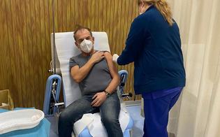 https://www.seguonews.it/covid-il-primario-di-malattie-infettive-del-santelia-giovanni-mazzola-tra-i-primi-a-ricevere-il-vaccino