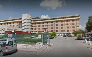 https://www.seguonews.it/cade-in-ospedale-a-modica-e-muore-aperta-uninchiesta