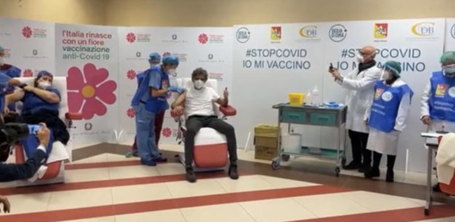 """Vaccini in Sicilia, Razza: """"I richiami non sono a rischio, azioni legali contro Pfizer"""""""