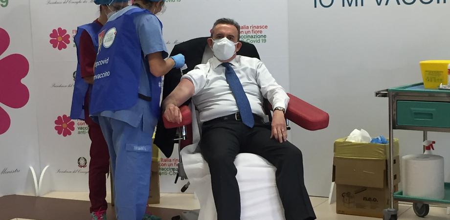 """Vaccino, prima dose anche al presidente dell'Ordine dei Medici di Caltanissetta: """"Giornata epocale per la salute collettiva"""""""