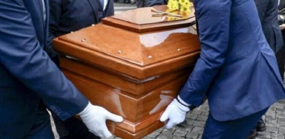 A Gela funerale in videoconferenza: oltre 200 le persone che virtualmente hanno preso parte alle esequie