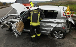 Incidente sulla Gela-Catania: automobilista si schianta contro il guardrail