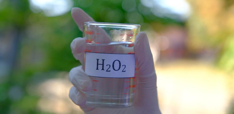Covid, ricercatori Napoli: acqua ossigenata previene coronavirus