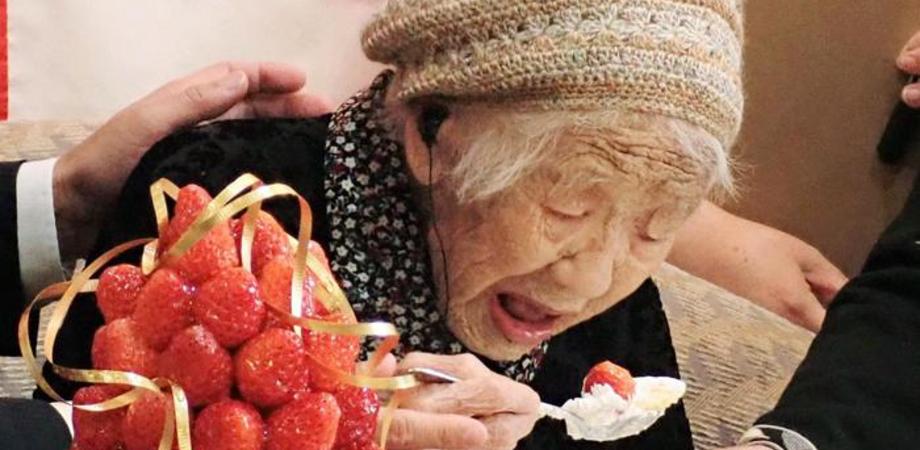 La donna più anziana del mondo ha 118 anni: giapponese, fa ginnastica e gioca a dama