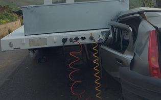 Drammatico incidente a Cammarata: rimorchio si sgancia e schiaccia auto