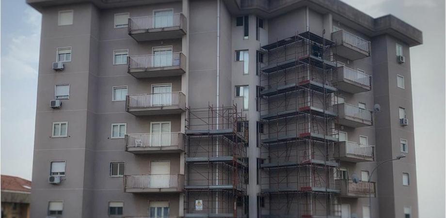 """Superbonus 110%, primo cantiere a Caltanissetta: lavori di riqualificazione nel condominio """"All Stars"""""""